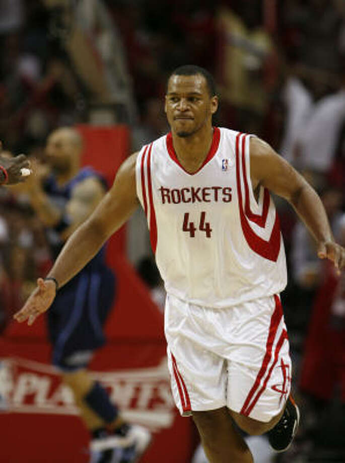 Rockets forward Chuck Hayes suffered a broken nose during a workout on Thursday. Photo: James Nielsen, Houston Chronicle