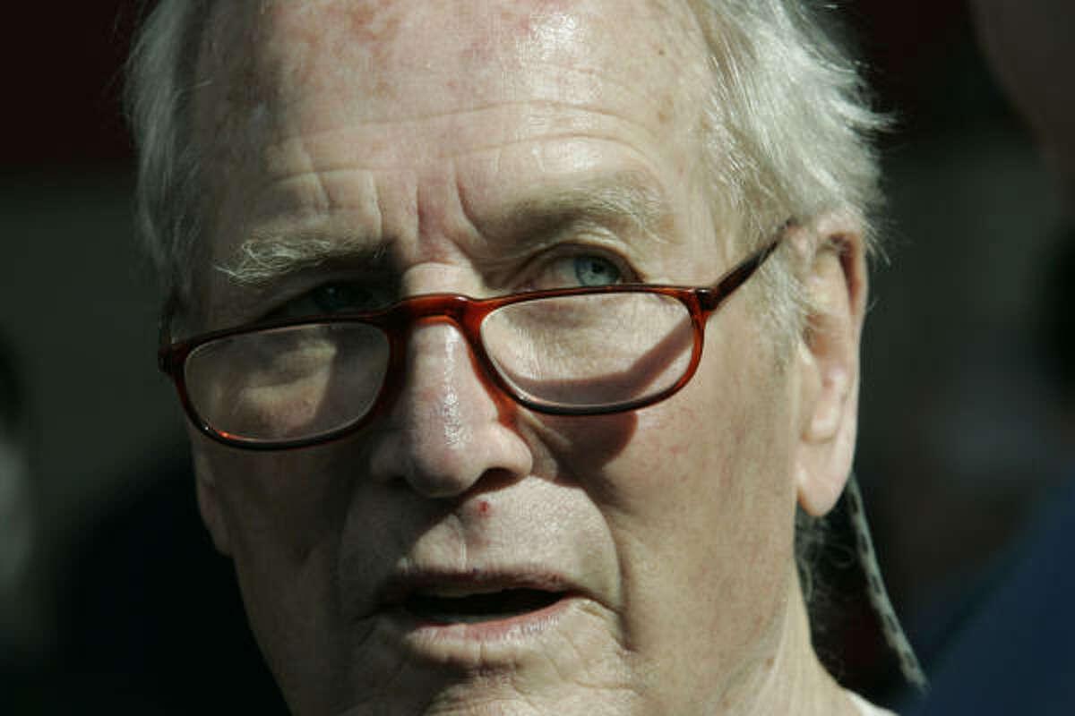 Actor Paul Newman has died at 83 after battling cancer, a spokeswoman said Saturday.