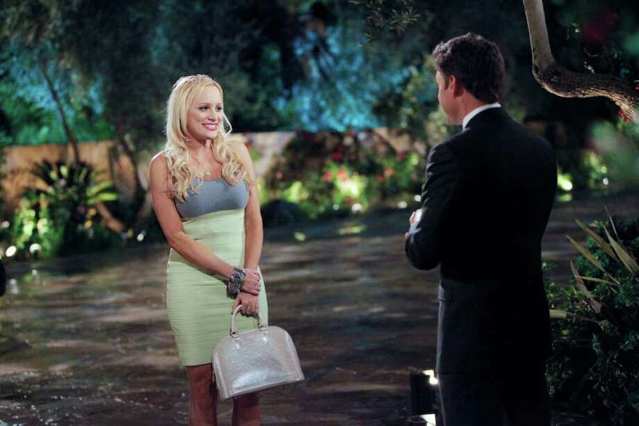 """gia from bachelor pad dating site For all your """"bachelor pad"""" spoilers,  bachelor pad bachelor pad recap – 8/30/10  they are officially dating now."""