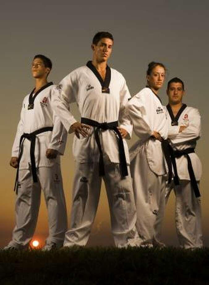 Los hermanos López harán historia para el deporte olímpico en los Juegos de Beijing. Photo: SMILEY N. POOL, HOUSTON CHRONICLE