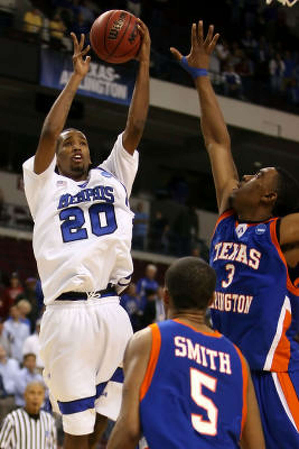Doneal Mack could provide points off the bench for Memphis on Sunday.