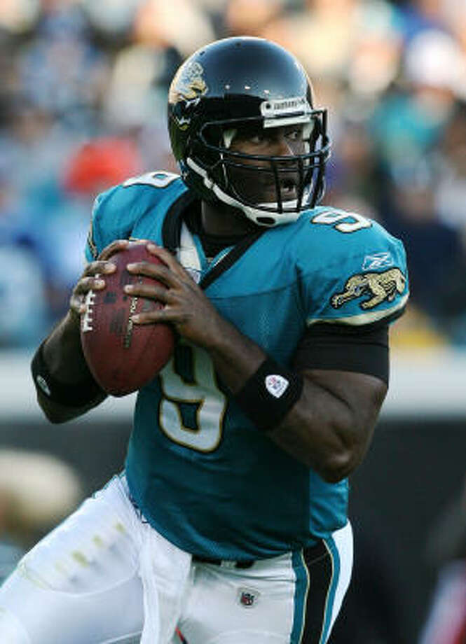 Jacksonville quarterback David Garrard is nearly as dangerous with his legs as he is with his arm. Photo: Doug Benc, Getty Images