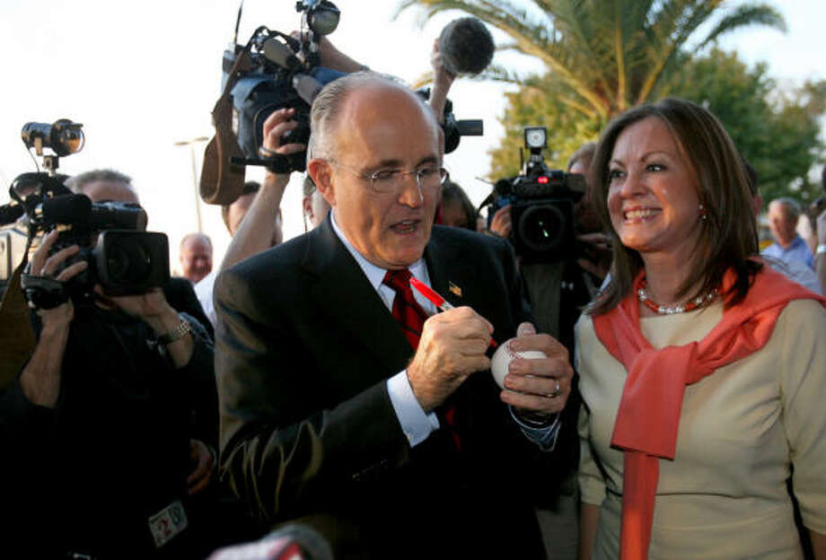 Rudy Giuliani and his wife Judy thank volunteers during a visit to his Central Florida campaign headquarters in Winter Park. Photo: Joe Burbank, MCT