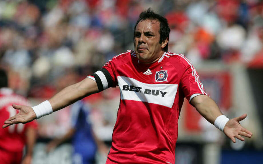 The Dynamo should enjoy a nice attendance surge this Sunday when they host Cuauhtemoc Blanco and the Fire. Photo: Jonathan Daniel, Getty Images