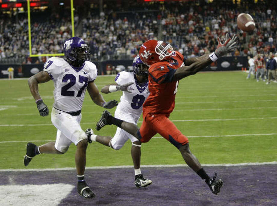 Houston and TCU faced off in the 2007 Texas Bowl at Reliant Stadium, with TCU winning 20-13. Photo: Brett Coomer, Houston Chronicle