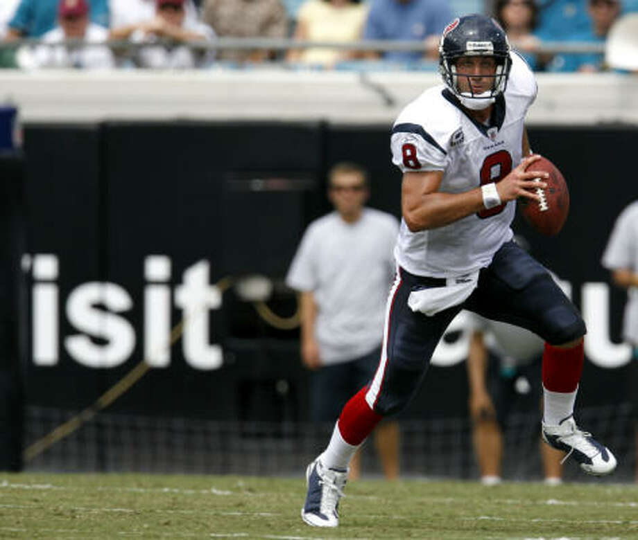 Quarterback Matt Schaub brought the Texans back from deficits of 7-0, 17-10 and 20-17 on Sunday. Photo: Karen Warren, Chronicle