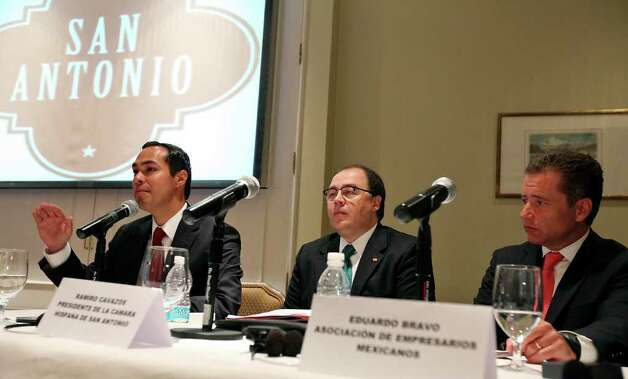 Mayor Julian Castro (from left) speaks as Ramiro Cavazos, President & CEO of the San Antonio Hispanic Chamber of Commerce, and Eduardo Bravo, Chairman of Asociacion de Empresarios Mexicanos, listen  during a press conference held at the Four Seasons Hotel  Monday Aug. 8, 2011 in Mexico City, Mexico. Photo: EDWARD A. ORNELAS, Edward A. Ornelas/Express-News / © SAN ANTONIO EXPRESS-NEWS (NFS)