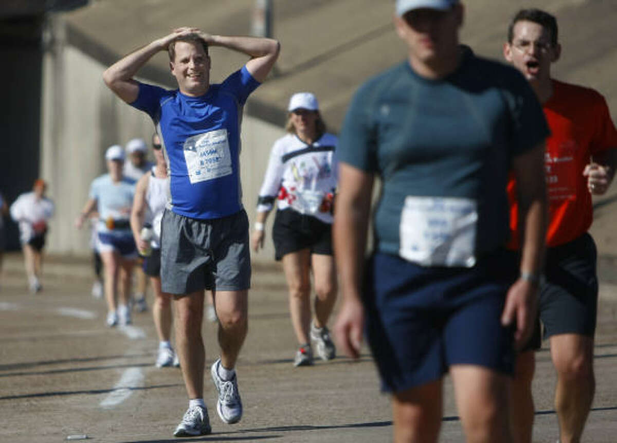 Chevron Houston Marathon officials are going to start asking that walkers start their races at the official 7 a.m. start instead of earlier.