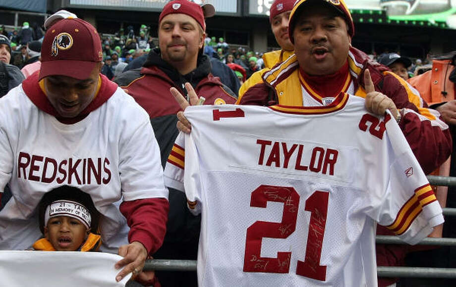 separation shoes 3037c a2b3a Pro Bowlers to honor slain Redskins DB Taylor - Houston ...