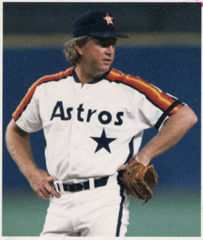 "Former Astros reliever Dave Smith was known for his ""surfer"" personality and for saving a lot of Astros wins. Smith died of a heart attack on Wednesday. He was 53. Photo: Chronicle File"