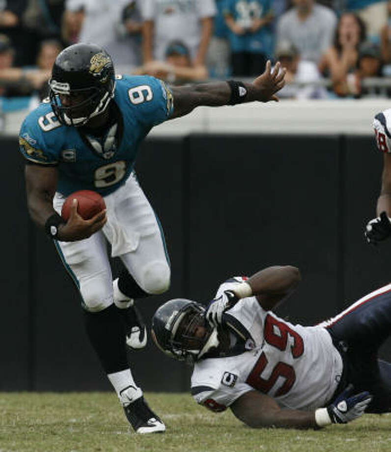Jaguars quarterback David Garrard entered Sunday's game rushing for just a total of 42 yards in the previous three games combined. He rushed for 41 in the second half alone against the Texans. Photo: Karen Warren, Chronicle