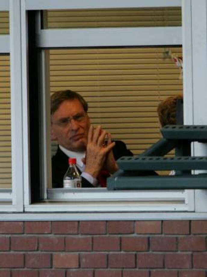 Commissioner Bud Selig watches Tuesday's Braves-Giants game from a box at AT&T Park. Photo: Justin Sullivan, Getty Images