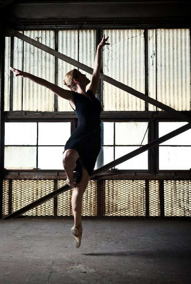 Kelly Ann Vitacca, Director of Programming, Dance Houston 406 W. Clay Houston, TX 77019 Photo: Courtesy Eric Hester