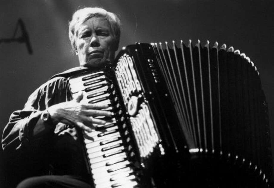 Pauline Oliveros will receive Nameless Sound's Resounding Vision Award. Photo: Peter Kiers