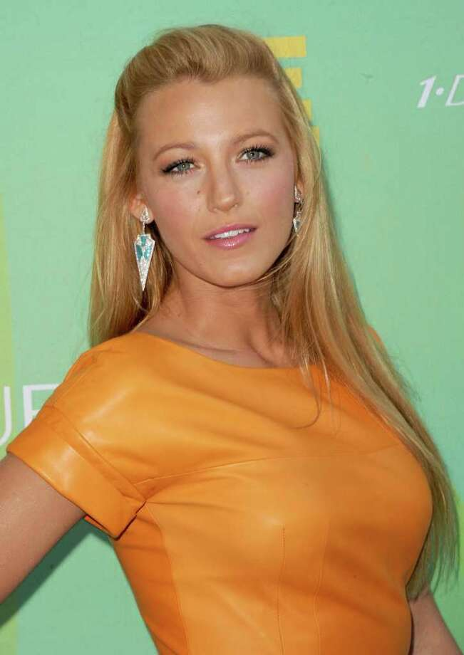 UNIVERSAL CITY, CA - AUGUST 07:  Actress Blake Lively arrives at the 2011 Teen Choice Awards held at the Gibson Amphitheatre on August 7, 2011 in Universal City, California. Photo: Jason Merritt, Getty Images / 2011 Getty Images