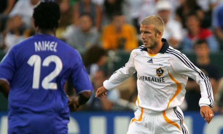 David Beckham touched the ball 12 times in his 16 minutes on the field at Home Depot Center. Photo: Stephen Dunn, Getty Images