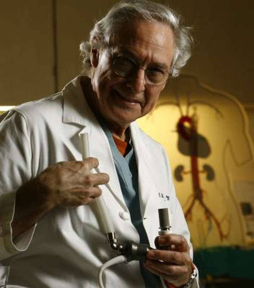 Houston's Dr. Bud Frazier has implanted more HeartMate pumps than anyone. Photo: NICK De La TORRE, CHRONICLE