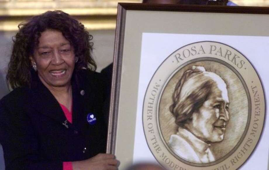 Rep. Julia Carson, shown unveiling the Rosa Parks Congressional Gold Medal in Washington in 1999, was hospitalized for a leg infection, but a doctor discovered cancer. Photo: JOE MARQUETTE, Associated Press