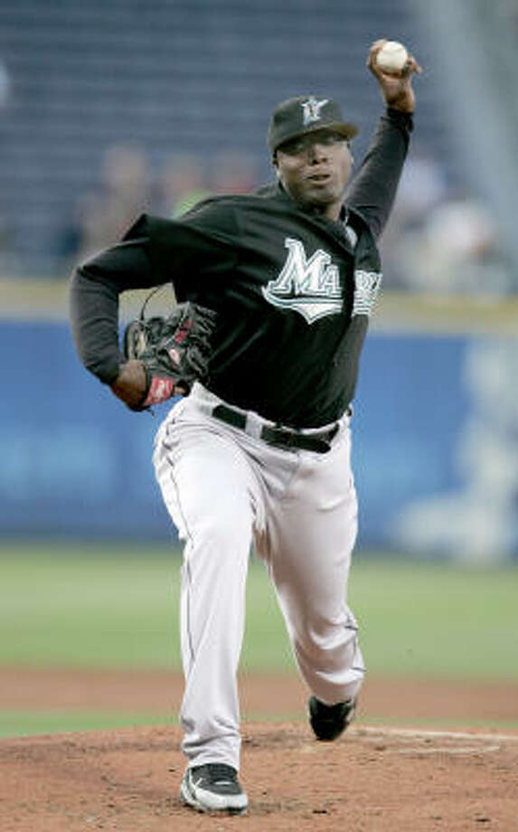 Floida Marlins' pitcher Dontrelle Willis finished 10-15 in 2007 with a 5.17 ERA. He and teammate Miguel Cabrera, a four time All-Star, will be part of a six-player deal that will send them to Detroit. Photo: Bob Snow, KRT