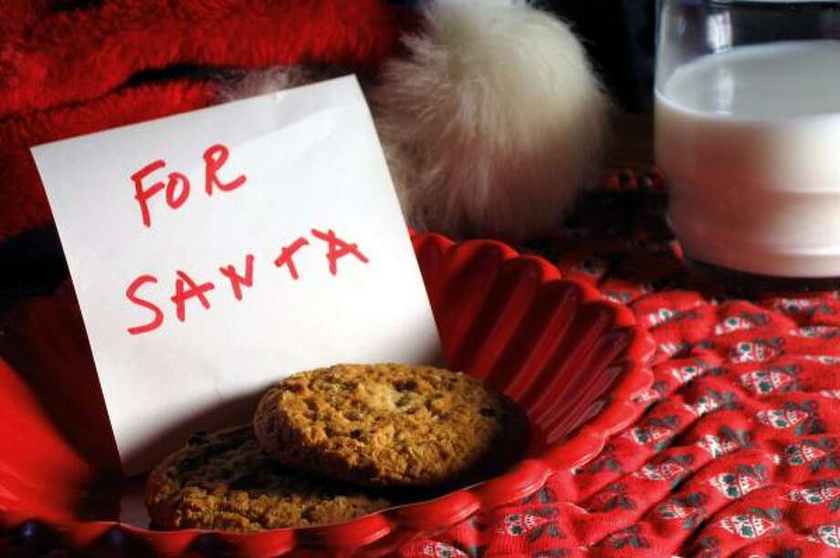 Can one man really eat all the cookies children set out for Santa on Christmas Eve? Photo: LIZ VAN STEENBURGH, FOTOLIA