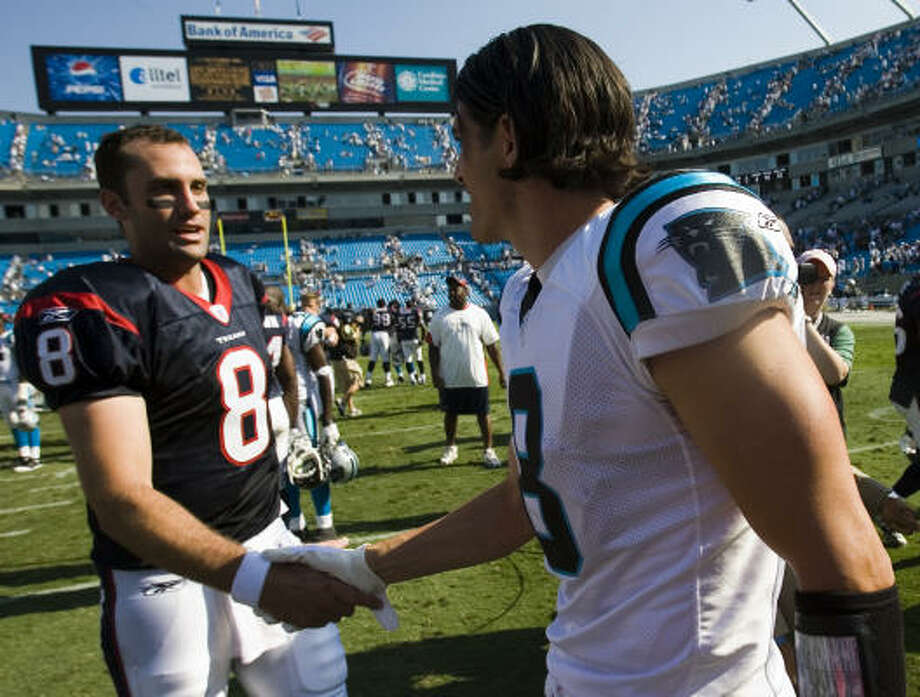 Matt Schaub (with David Carr on Sunday) had a perfect passer rating in the first quarter. Photo: Smiley N. Pool, Chronicle