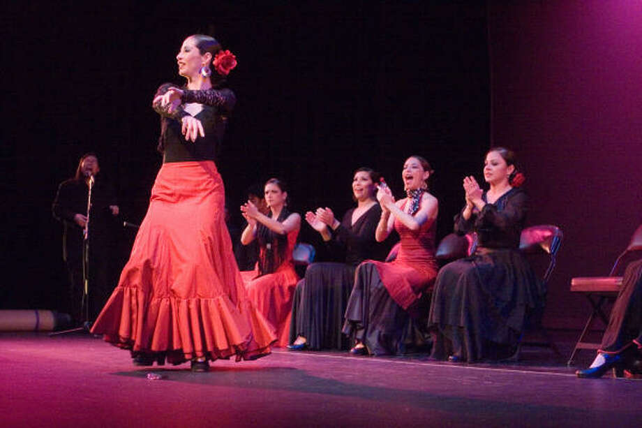 Ana de la Peza of La Esencia Flamenco performs onstage at Houston Choreographers X6, part of the Jewish Community Center's Dance Month 2007 at the Kaplan Theatre. Photo: R. Clayton McKee, For The Chronicle