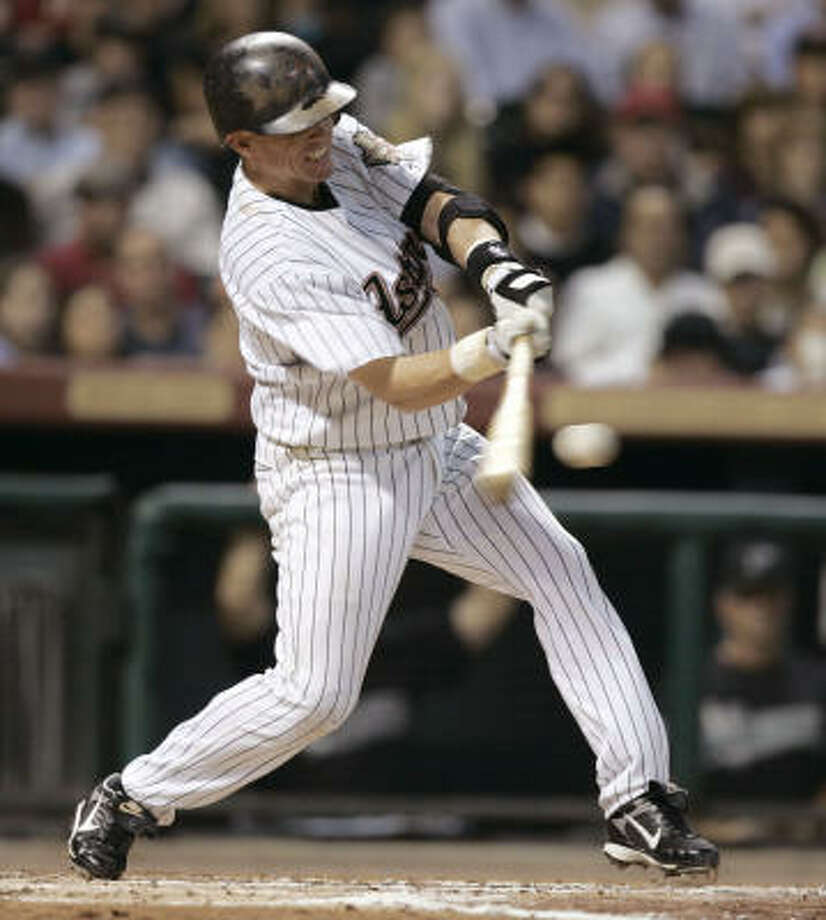 Craig Biggio had a single (above) and a double against the Marlins on Tuesday. Photo: Brett Coomer, Chronicle