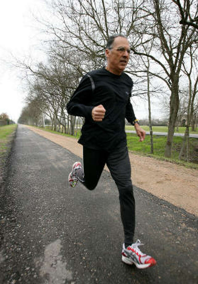 At 73, Ino Cantu can run a 5K in about 20 minutes. Photo: Bob Levey, For The Chronicle