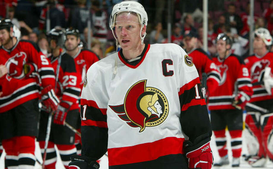 Daniel Alfredsson and the Ottawa Senators open the best-of-seven Eastern Conference final series today at Buffalo. Photo: Jim McIsaac, Getty Images
