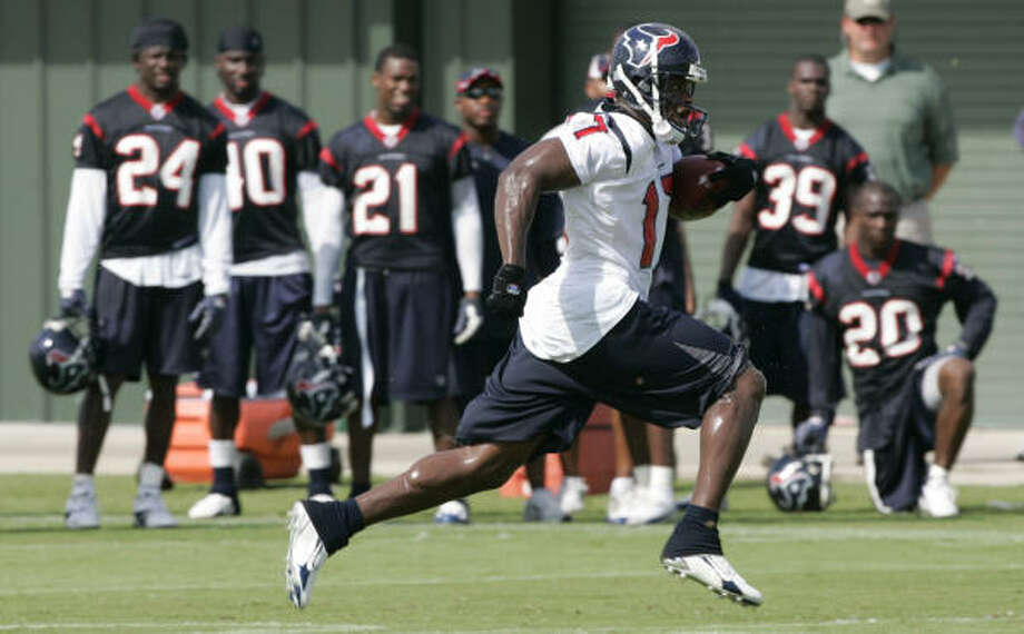 Houston Texans wide receiver Bethel Johnson has plenty of skill. But coaches would like to see him become more consistant. Photo: Brett Coomer, Chronicle