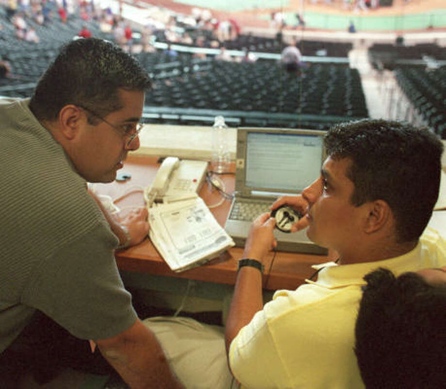 The Chronicle's Jesus Ortiz (right) will be joined by Eric Young on his radio show. Photo: JOE JASZEWSKI, CHRONICLE