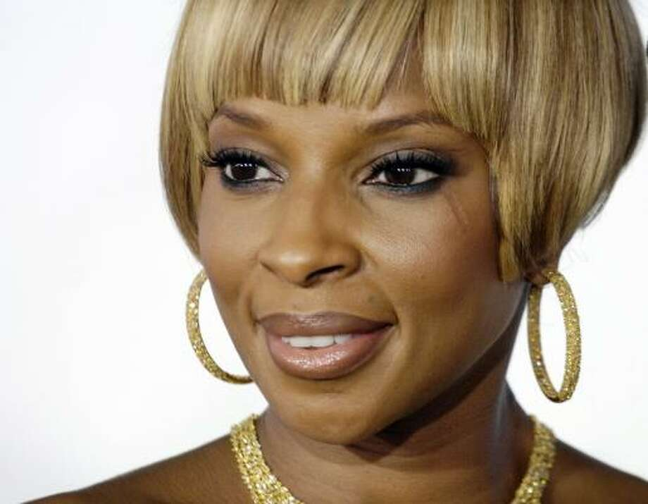 Blige's Growing Pains blends just the right amount of passion and pain. Photo: Chris Pizzello, AP
