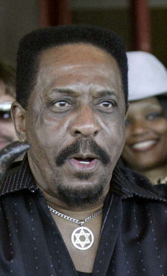 Ike Turner, seen here in 2005, spent a night in jail after he was arrested on a 1989 narcotics warrant that turned out to be invalid, police said. Photo: NICK UT, AP File