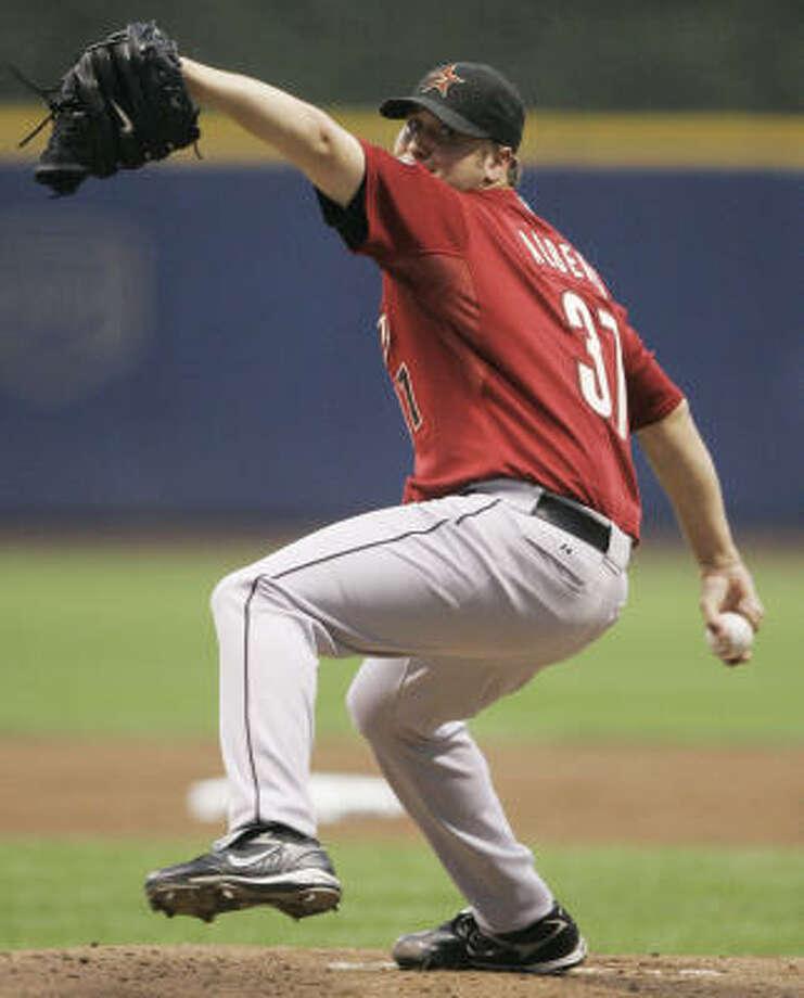 Matt Albers throws against the Brewers. Photo: AP