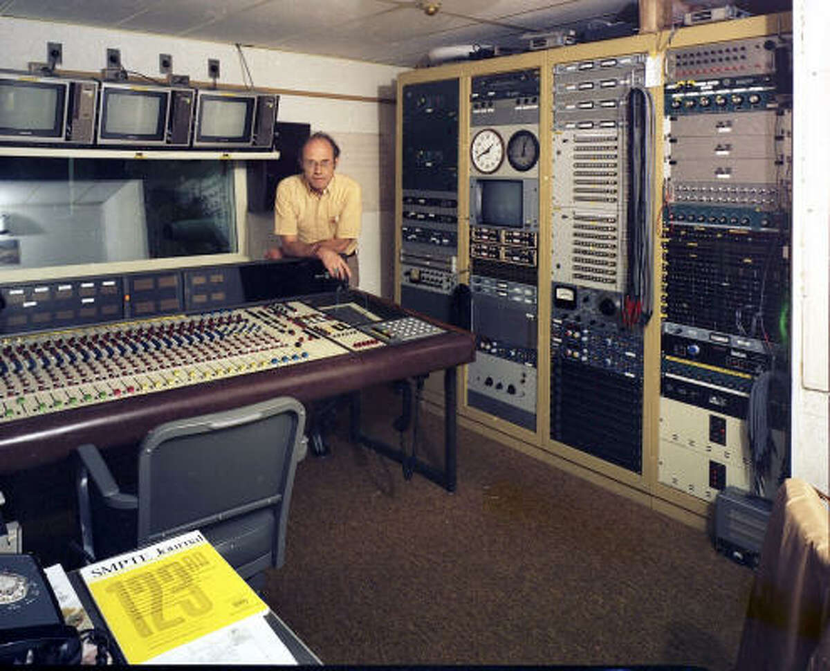 Glenn Osborn helped link presidents with astronauts in space.