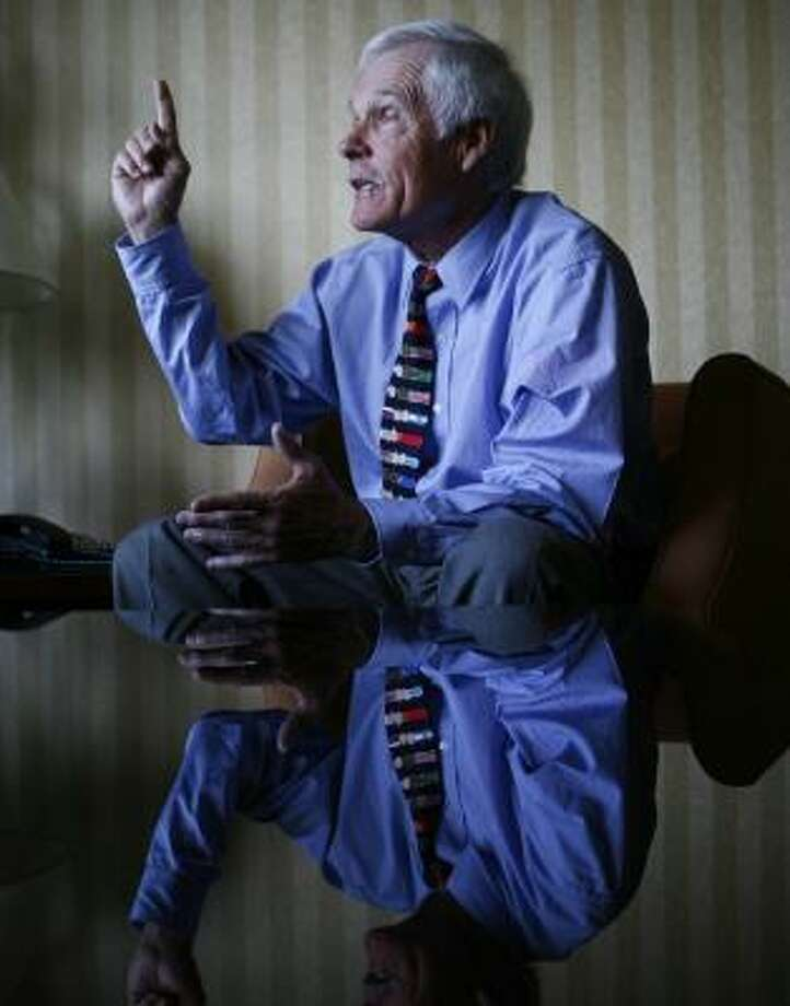 Billionaire Ted Turner declared an end to the era of fossil fuels at the Intercontinental Hotel on Wednesday, saying that dealing with global warming makes it imperative to replace them with alternatives. Photo: NICK De La TORRE, CHRONICLE