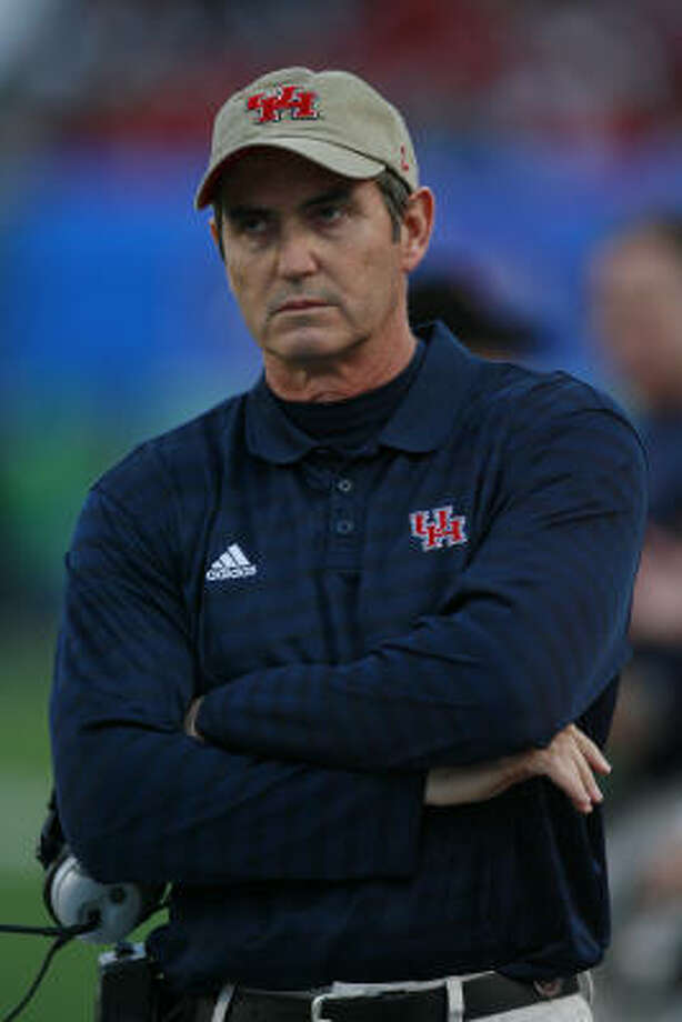 The search is on for a new leader to emerge to run Art Briles' potent offense. Photo: James Nielsen, Houston Chronicle