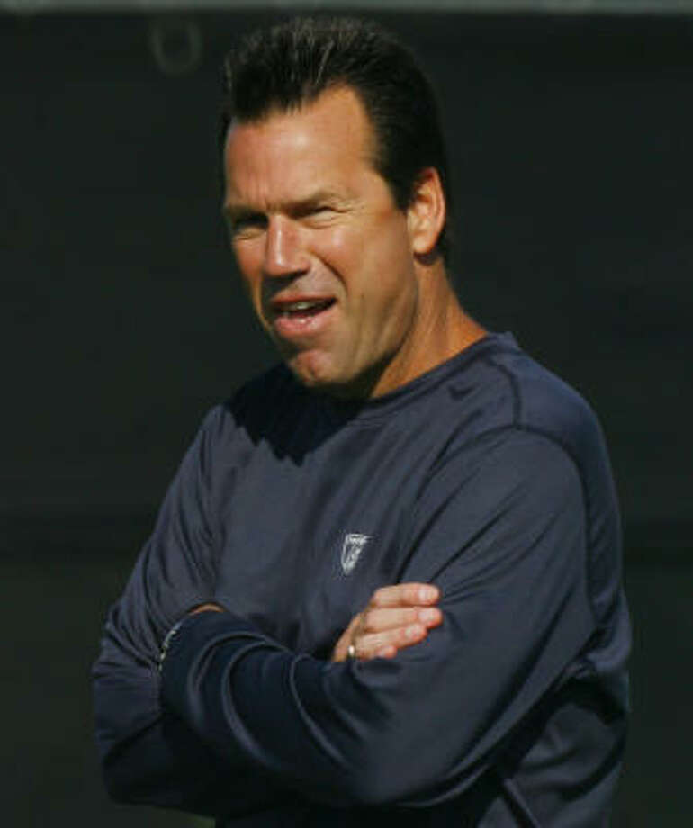 Texans head coach Gary Kubiak is confident the competition from within is making the team better. Photo: Steve Ueckert, Houston Chronicle