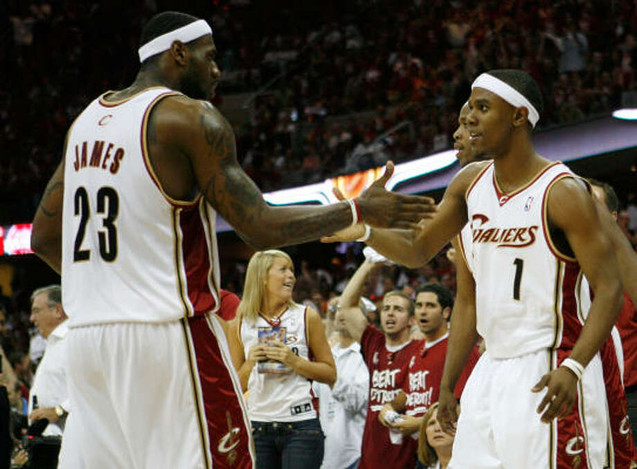 Daniel Gibson and LeBron James formed a dynamic duo to beat the Pistons and land a spot in the NBA Finals. Photo: Gregory Shamus, Getty Images