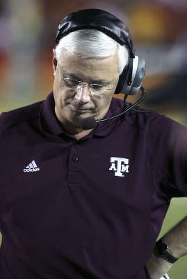 "Texas A&M coach Dennis Franchione has been under fire since it was revealed he and his assistant had been secretly distributing an e-mail newsletter the past three years to select supporters called the ""VIP Connection"" for an annual fee of $1,200 Photo: Luis M. Alvarez, AP"