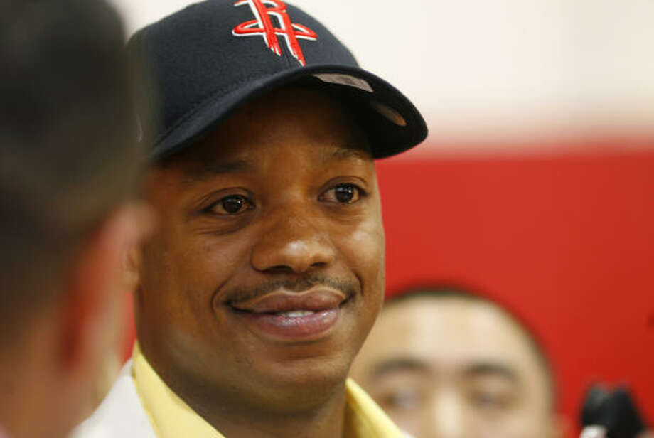 The Rockets scheduled their news conference for 3:33 p.m. for Steve Francis, who will once again wear No. 3. Photo: Steve Ueckert, Chronicle