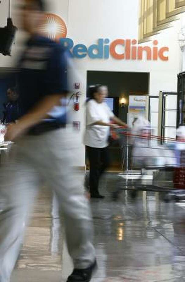 A Galveston County man has sued H-E-B andRediClinic after he claims he fainted inside a Rediclinic at an unnamed store. Photo: Nick De La Torre, Chronicle