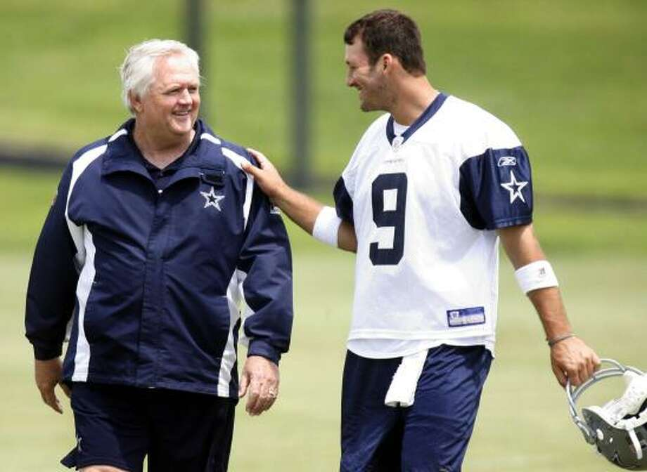 Cowboys quarterback Tony Romo calls Wade Phillips the smartest coach he's ever been around. Photo: LOUIS DeLUCA, AP