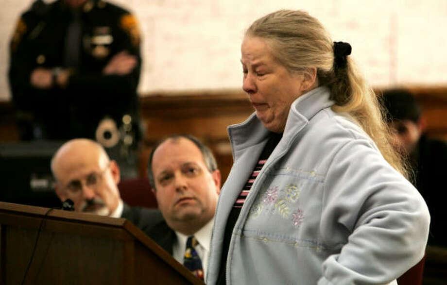 Sharen Gravelle addresses the judge before her sentencing in Norwalk, Ohio. Photo: Thomas Ondrey, AP
