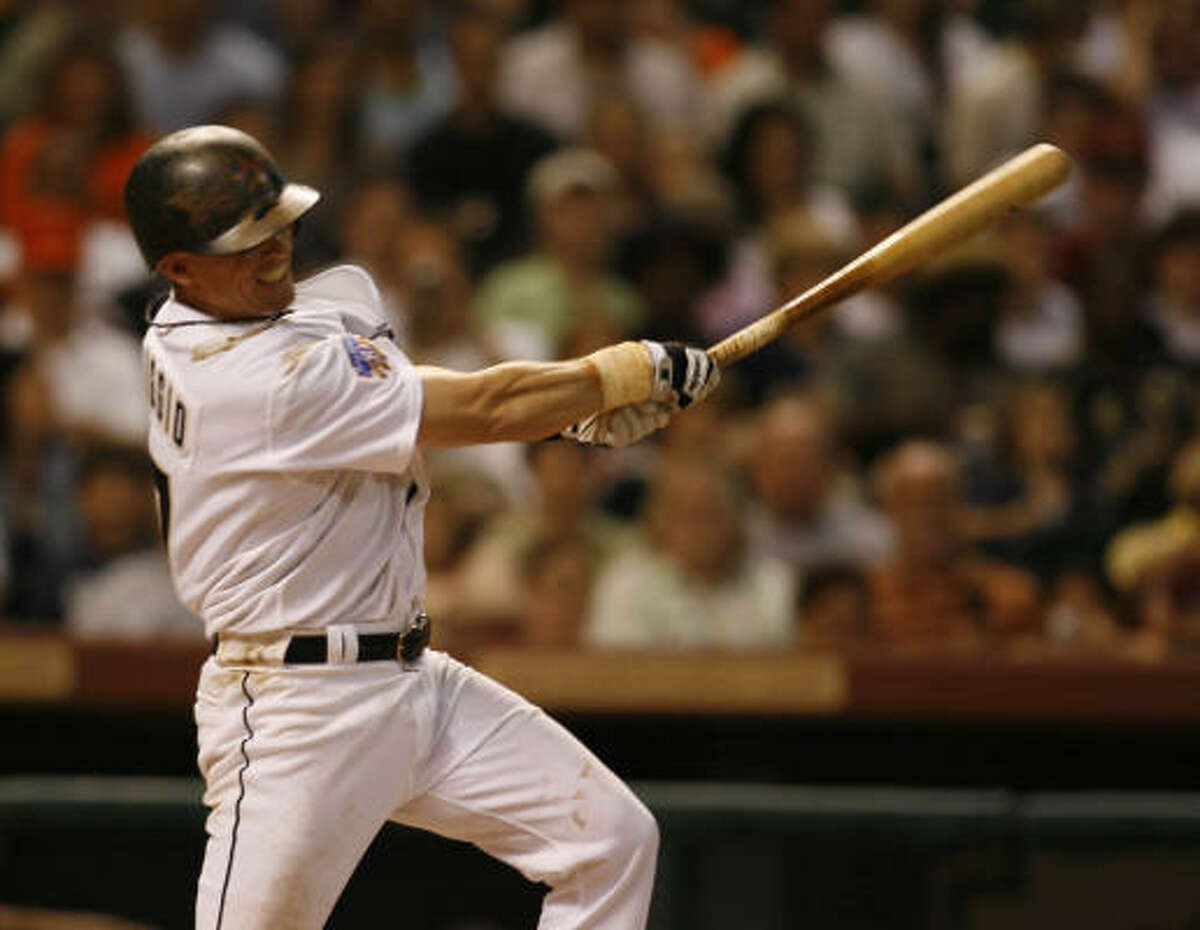Craig Biggio gets hit No. 3,059, a single in the bottom of the fifth against the Atlanta Braves.