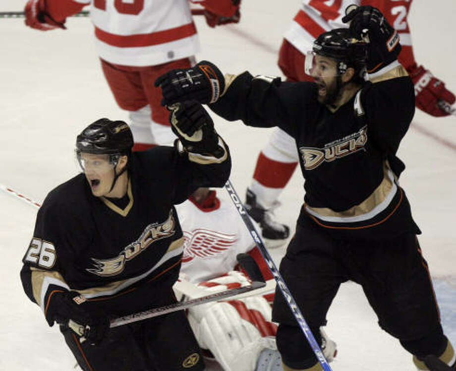 2b6612310de Anaheim's Rob Niedermayer, right, scored in the first period. Photo: Chris  Carlson