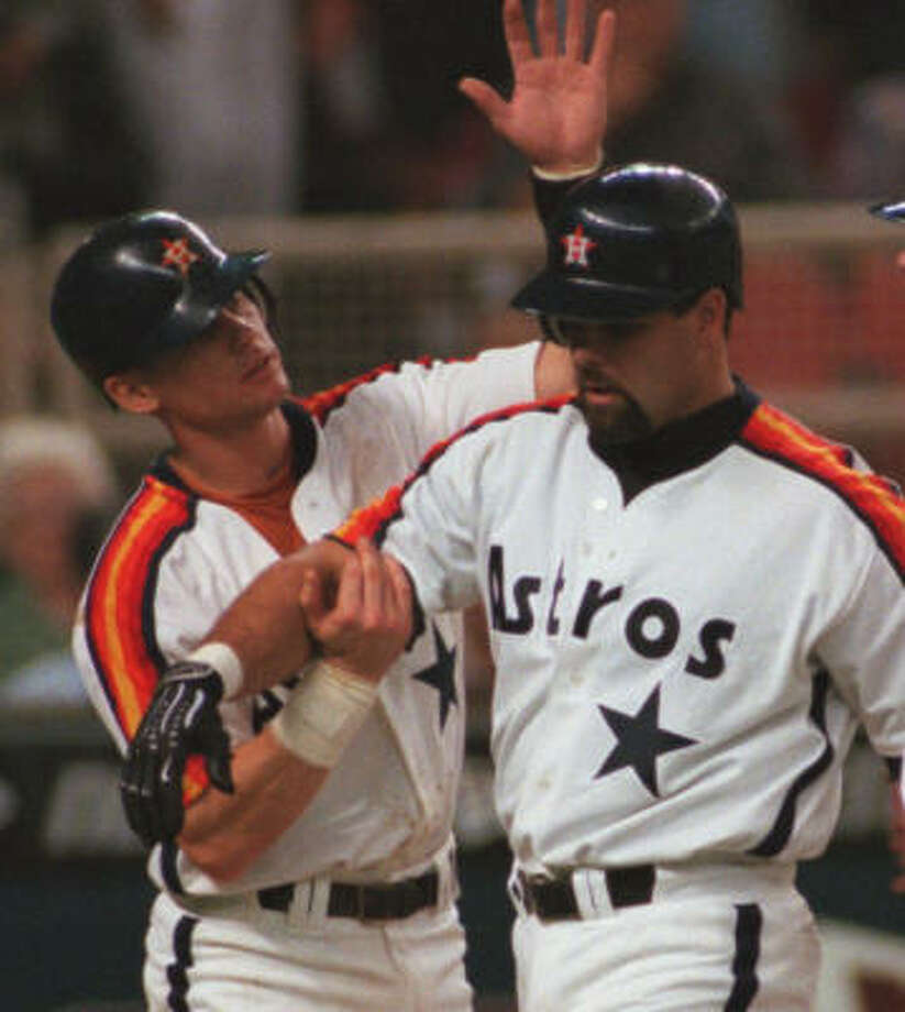 "Regarding Ken Caminiti, Craig Biggio said: ``Everyone knows what kind of player he was. He was a warrior. He played in any kind of pain. He had an obligation to the people who depended on him. He was the guy you'd want in your foxhole."" Photo: Chronicle File"