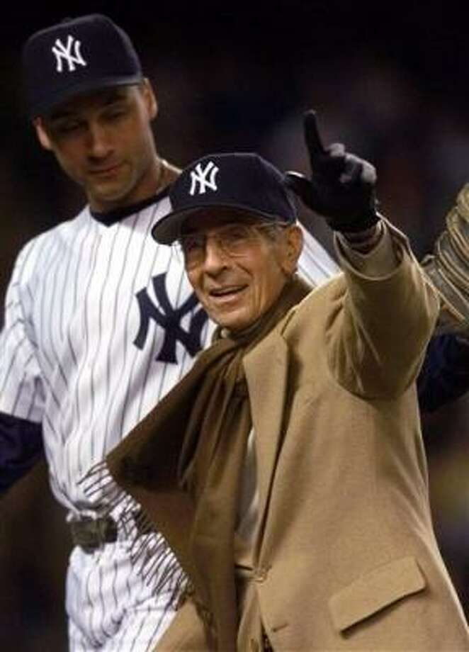 Rizzuto, Yankees' Hall of Fame shortstop, dies at 89