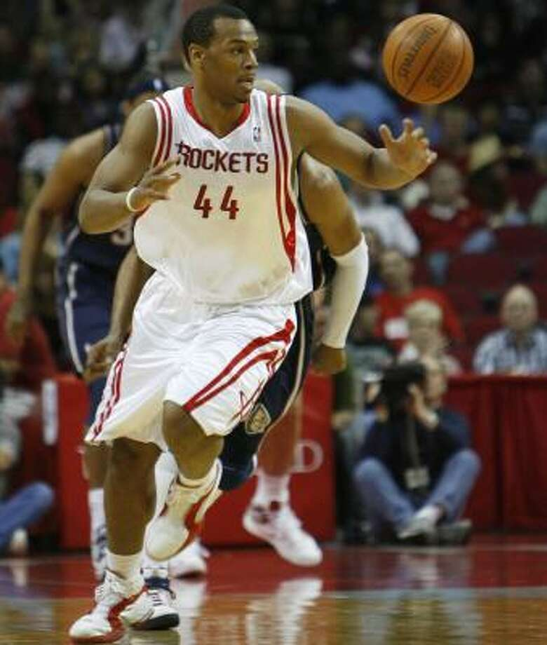 Chuck Hayes decided to return to the Rockets, his only NBA team, for a third season. Photo: KAREN WARREN, CHRONICLE