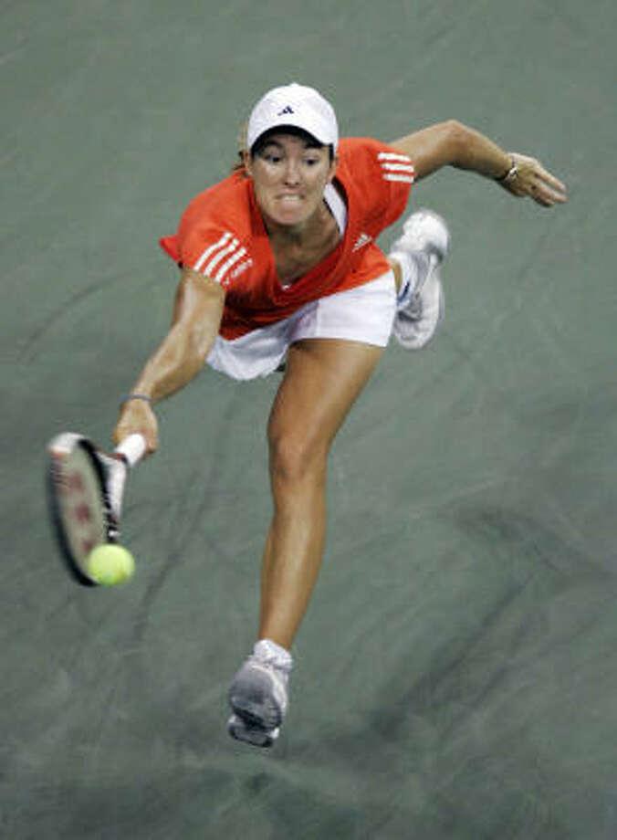 Top seed Justine Henin needed 82 minutes to beat fourth-seeded Svetlana Kuznetsova 6-1, 6-3. Photo: Darron Cummings, AP